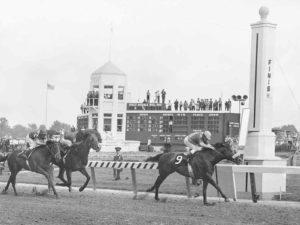 Carrera de caballos - Cóctel Derby con Bourbon